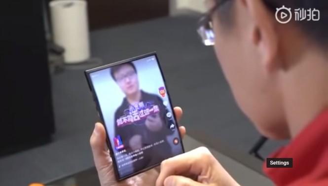 Ponsel lipat Xiaomi.