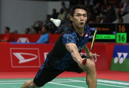 Lawan Cedera, Jonatan Christie Lolos ke 16 Besar Indonesia Masters