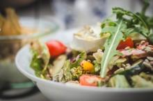 Cara Makan Salad di Beberapa Negara