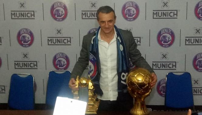 Pelatih Arema, Milomir Seslija (Medcom.id/Daviq)