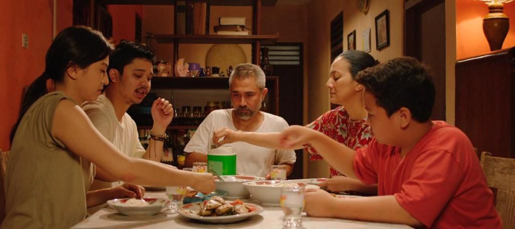 Adegan film Orang Kaya Baru (Foto: Dok. Screenplay Films - Legacy Pictures)