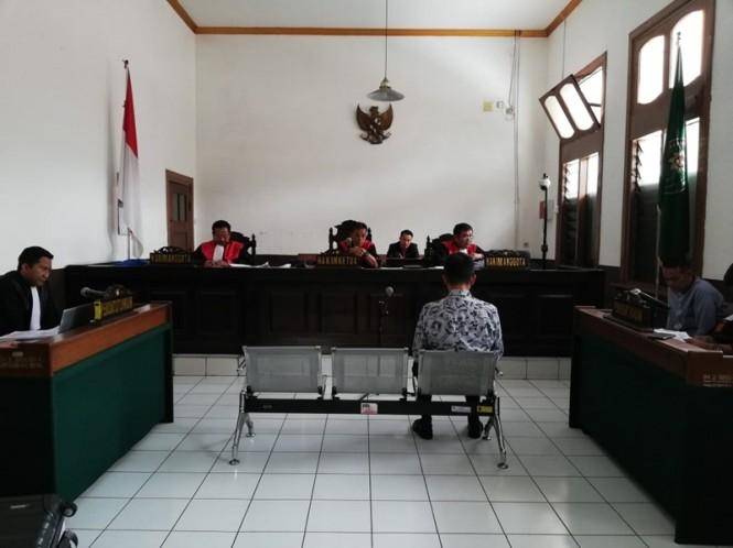 Eks Kepala Lapas Sukamiskin Bandung Wahid Husein diperiksa sebagai saksi di Pengadilan Negeri Bandung, Rabu 23 Januari 2019. Medcom.id/P. Aditya Prakasa