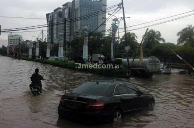 Asuransi tanggung mobil kebajiran jika pilih tipe All Risk dan Paket Plus Perlindungan Bencana Alam. Medcom.id/Fitra Iskandar