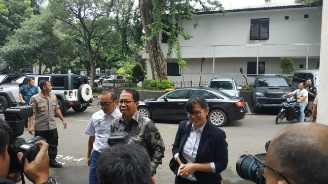 Pelaksana Tugas (Plt) Ketua Umum PSSI Joko Driyono memenuhi panggilan Satgas Antimafia Bola - Medcom.id/Ilham Pratama Putra.