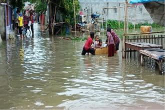 Anak Sungai Cipunagara Meluap, Warga Butuh Bantuan
