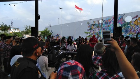 Relawan Rayakan Kebebasan Ahok di Kalijodo