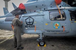 PTDI Serahkan 5 Heli AKS dan 1 Pesawat CN-235 ke Kemhan