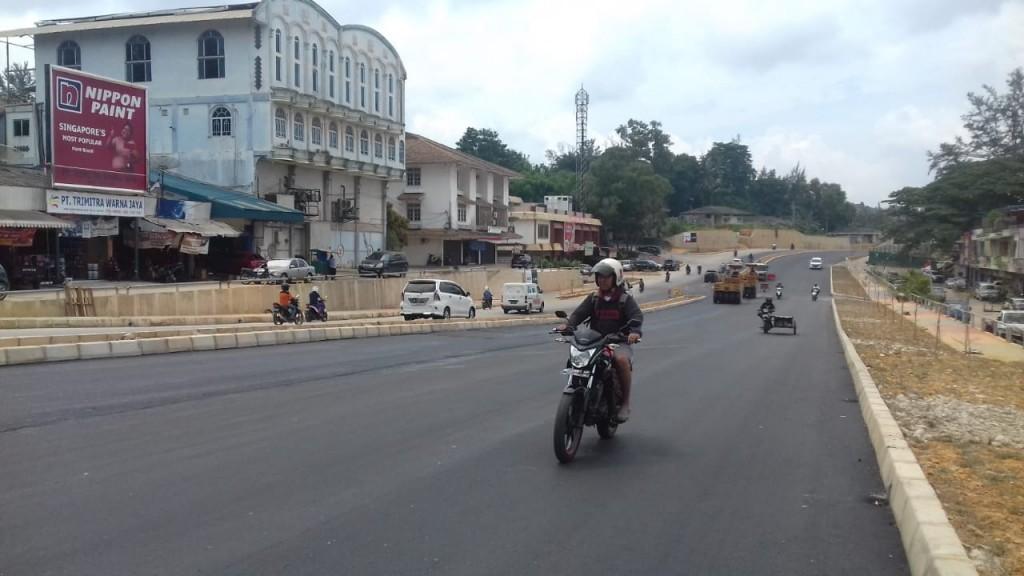 Infrastruktur jalan yang telah selesai pemgerjaannya di ruas jalan simpang Bank Panin - simpang Planet Holiday Hotel Batam