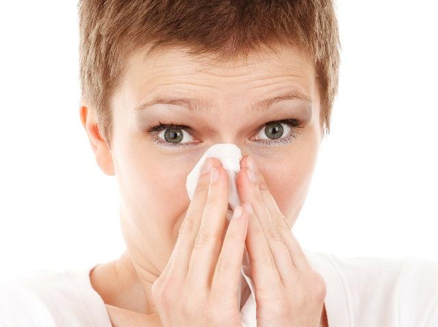 Jika flu tak kunjung sembuh setelah minum obat dan konsumsi vitamin C, bisa jadi gejala tersebut tanda Anda memiliki infeksi sinus. (Foto: Pixabay.com)