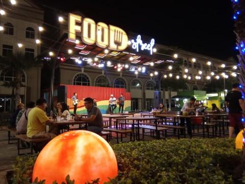 Gemerlap Bisnis Kuliner di Pulau Reklamasi