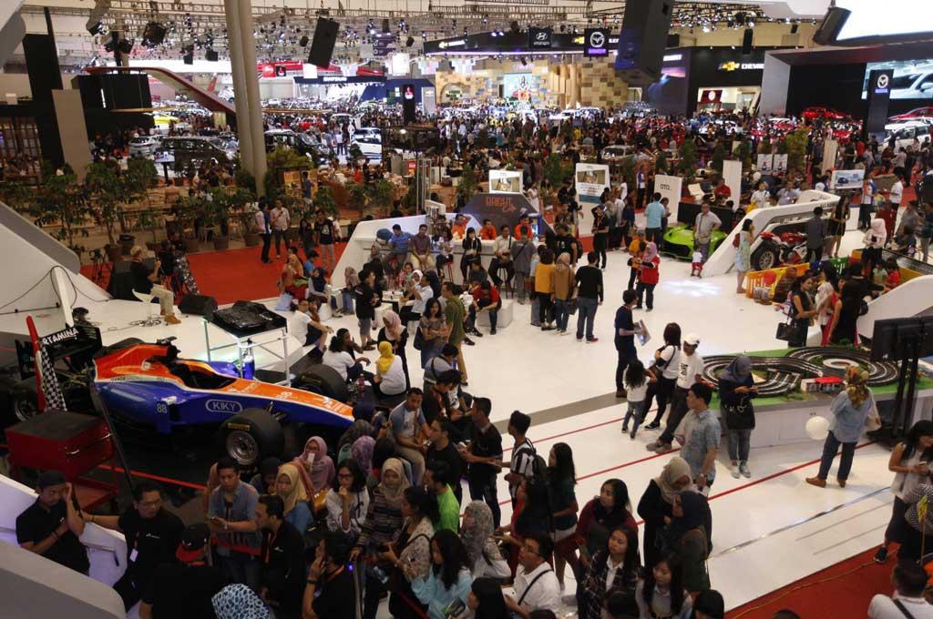 Frost & Sullivan memprediksi pasar otomotif Indonesia akan hampir menyentuh 1,2 juta unit di 2019. GIIAS
