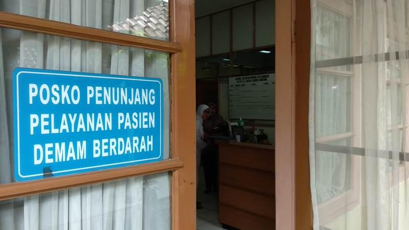 Posko pelayanan pasien demam berdarah di Rumah Sakit Hasan Sadikin (RSHS) Bandung.