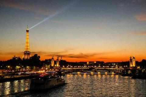 Panduan Mengunjungi Menara Eiffel