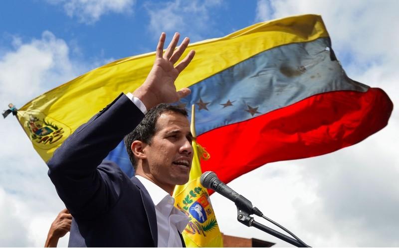 Juan Guaido muncul sebagai Presiden sementara Venezuela yang didukung oleh Amerika Serikat. (Foto: AFP).