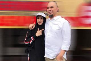 Ahmad Dhani Dipenjara, Mulan Jameela Unggah Foto Berdua