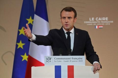 Macron Kecam 11 Kematian dalam Gerakan 'Rompi Kuning'