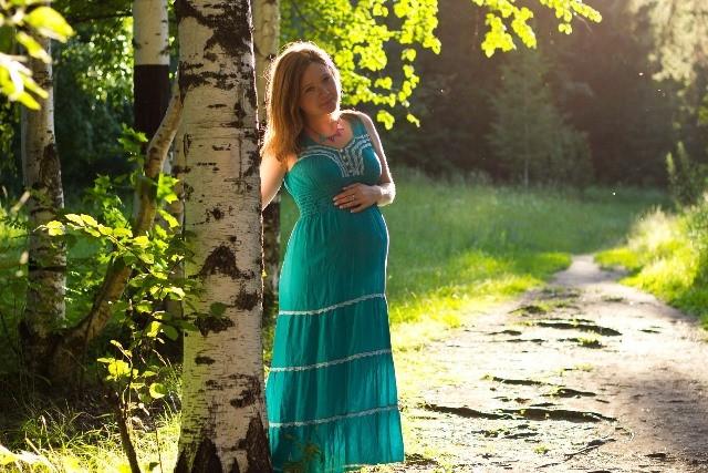 Sejak embrio terbentuk dan menempel dalam rahim perubahan mulai terlihat pada tubuh wanita. (Foto: Pixabay.com)