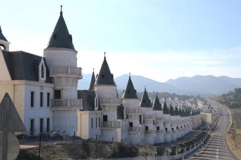 Mengunjungi Burj Al Babas, Perumahan Mewah Tak Berpenghuni di Turki
