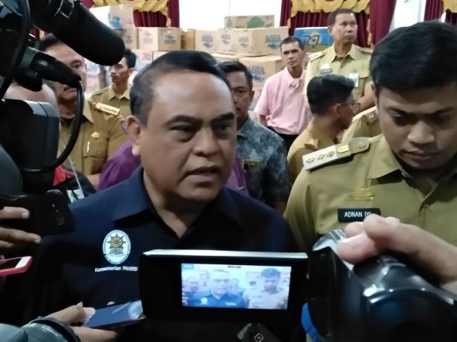 Menpan RB, Syafruddin, saat berkunjung ke Kantor Bupati Gowa, Selasa 29 Januari 2019. Medcom.id/Muhammad Syawaluddin