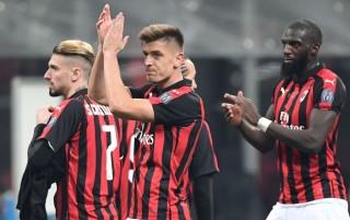 <i>Brace</i> Piatek Antarkan Milan ke Semifinal