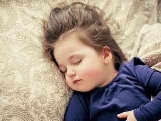 Cara Membujuk Anak Cepat Tidur dan Bangun Tepat Waktu