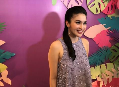 Cerita Sandra Dewi Memberikan MPASI pada Anak Pertamanya