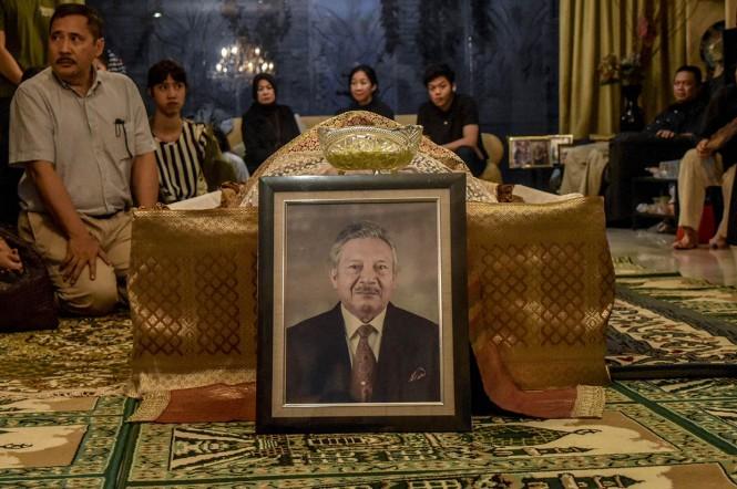 Mantan Kapolri Jenderal (Purn) Awaloedin Djamin meninggal dunia. Awaloedin meninggal di usia 91 tahun.
