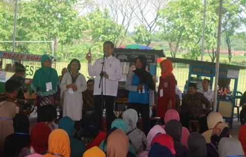 Jokowi Meets Mekaar Participants in East Java