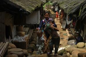 Merawat Tradisi di Kampung Naga