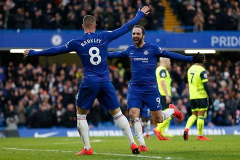 Chelsea Bantai Huddersfield, Higuain Sumbang Dua Gol