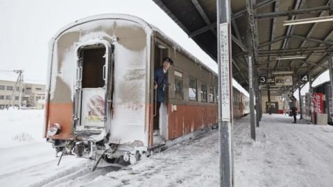 Bernostalgia dengan Tsugaru, Kereta Klasik Jepang