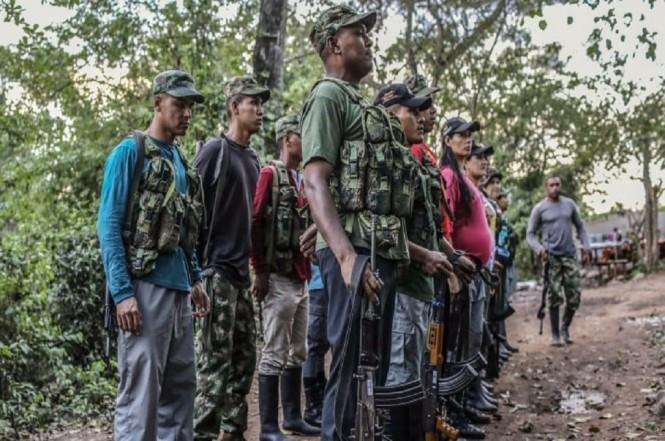 Gerilyawan Farc di Pondores, Kolombia, 3 April 2017. (Foto: Joaquin Sarmiento/AFP/Getty Images)