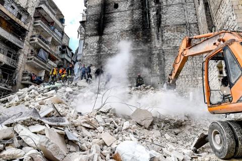 Bangunan Bekas Perang di Suriah Runtuh, 11 Tewas