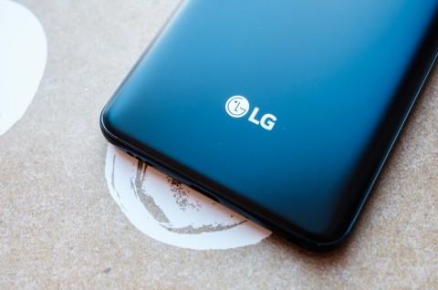 LG G8 ThinQ Pasang Baterai 3.500 mAh