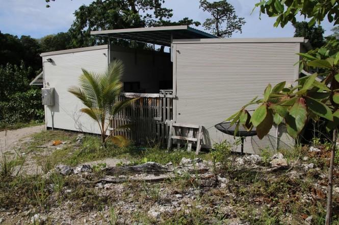 Salah satu bangunan di kamp detensi di Pulau Nauru. (Foto: AFP/MIKE LEYRAL)