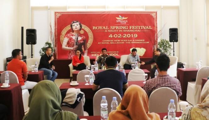 Royal Spring Festival kali ini menyajikan pertunjukan dan acara dengan suasana kota Shanghai yang modern. (Foto: Dok The Springs Club)