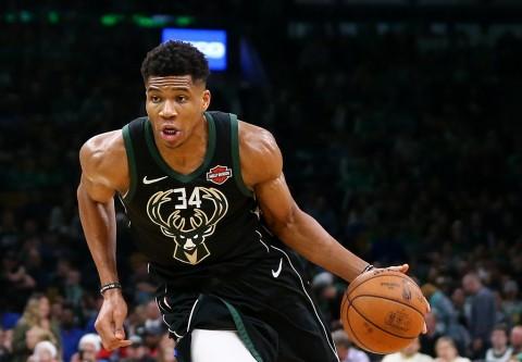 Hajar Nets, Bucks Mantap di Puncak Klasemen