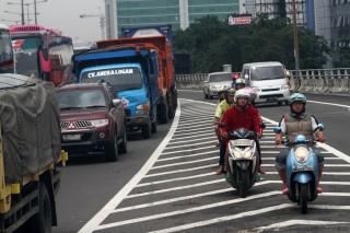 Risiko yang Menghadang Motor di Jalan Tol