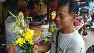 Pedagang Bunga Ketiban Untung Imlek