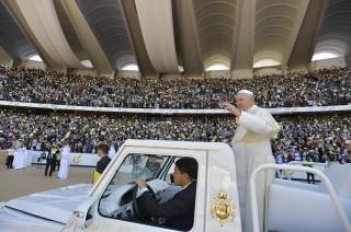 Misa Perdana Paus Fransiskus di Semenanjung Arab