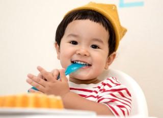 Tips Mencegah Tersedak Makanan pada Anak
