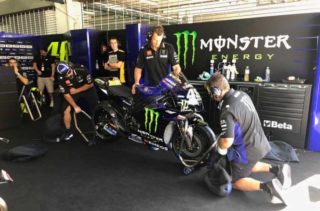 Valentino Rossi menganggap bahwa penting untuk memanajemeni tim MotoGP seperti di ajang Formula One. Yamaha