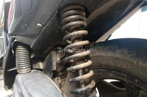 Hasil gambar untuk suspensi motor mengalami kerusakan