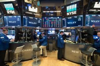 Wall Street Anjlok di Tengah Pidato Trump