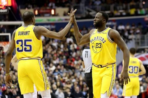 Tundukkan Spurs, Warriors Belum Tergoyahkan di Puncak