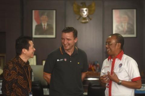 Legenda Liverpool Vladimir Smicer Bertandang ke Jakarta