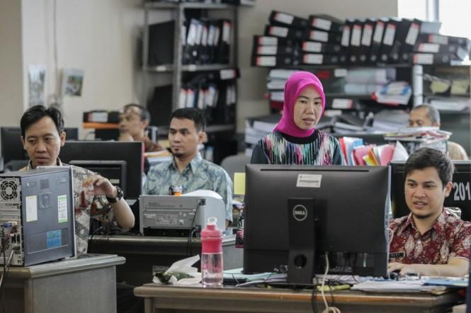 Pegawai Negeri Sipil (PNS) Badan Kepegawaian Daerah Provinsi DKI Jakarta. Foto: MI/Pius Erlangga.