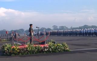 TNI Diminta Menyatu dengan Masyarakat