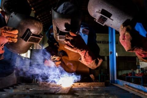 745 Perusahaan Bina 2.074 SMK di Program Vokasi Industri