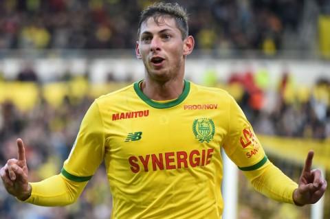 Nantes Pensiunkan Nomor 9 untuk Kenang Emiliano Sala